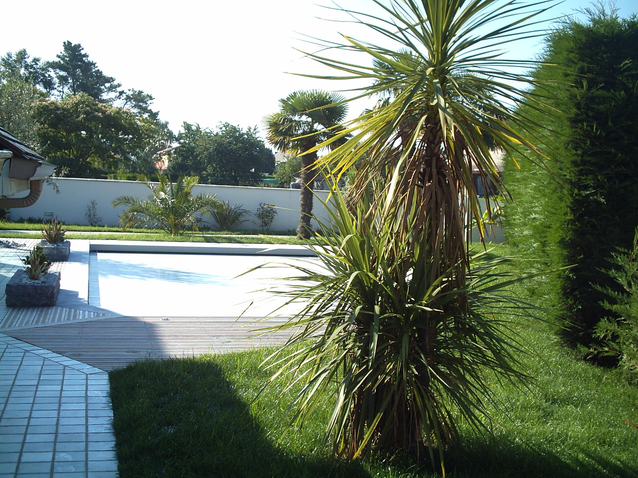 Cr ation de jardins plantation v g taux am nagement orthez for Jardins et espaces verts